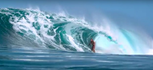 Surf Big Waves and heavy Barrels in Hawaii3