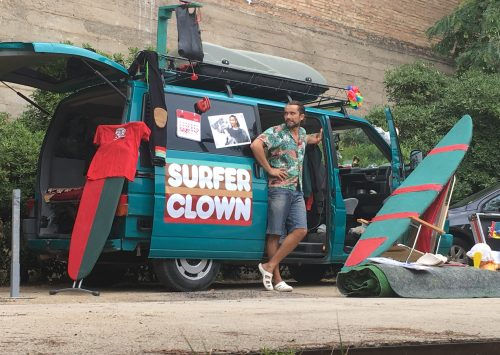 SURFER CLOWN: UN ESPECTÁCULO CON ESPÍRITU SURFISTA