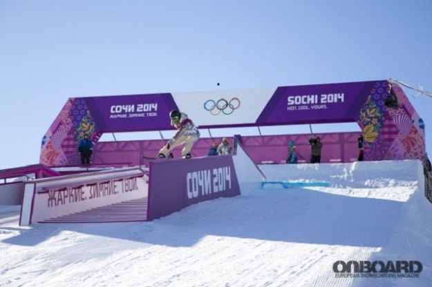American_gold_medalist_snowboarder_Jamie_Anderson_at_the_Olympic_Games_in_Sochi_2014_067996_-620x413