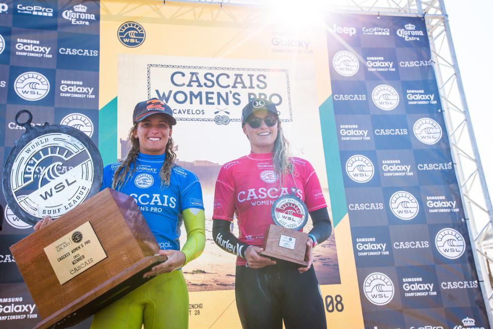Courtney Conlogue (USA) and Lakey Peterson (USA) accept their awards after their Final at the Cascais Women's Pro.